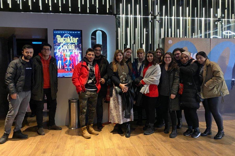 Kültür-sanat muhabirliği öğrencileri Oscar adayı filmi izledi